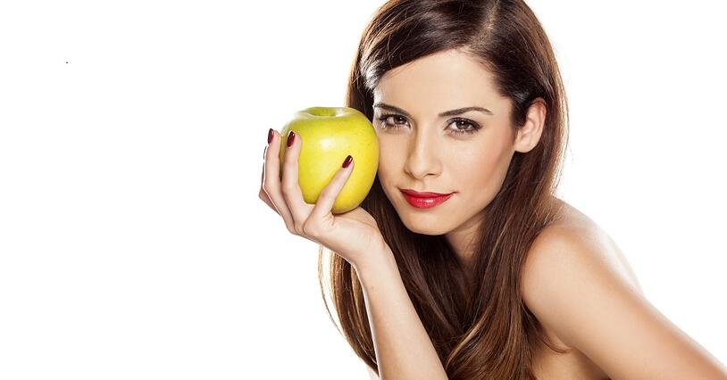 Can the Nutritional Perks of Apples Prolong the Need for a Facelift?
