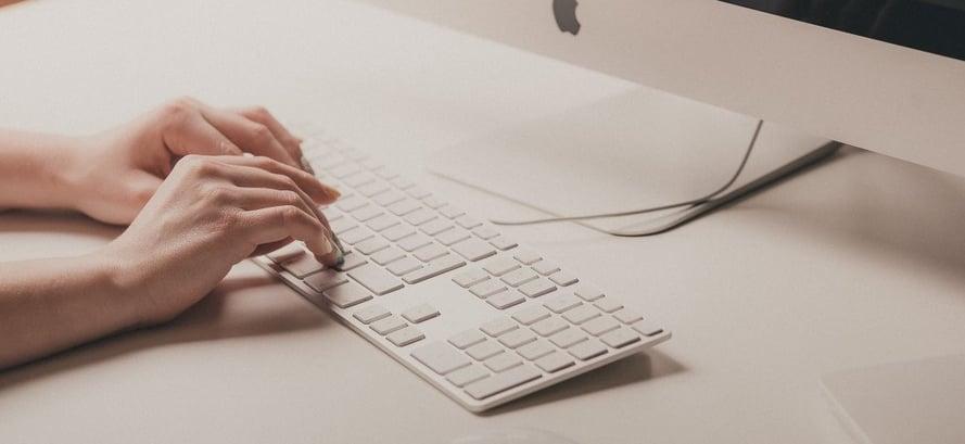 2-Come-scrivere-un-copyright-efficace-per-il-vostro-sito-web-aziendale-hotel-klinik-ga-group-consulenza-settore-turistico-marketingcommercializzazione-trentino-alto-adige-italia-estero--1