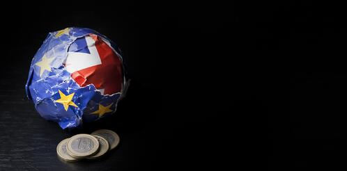 banner-brexit-paper-ball-euro-coins-1