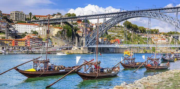 Living in Portugal: Etiquette and Manners