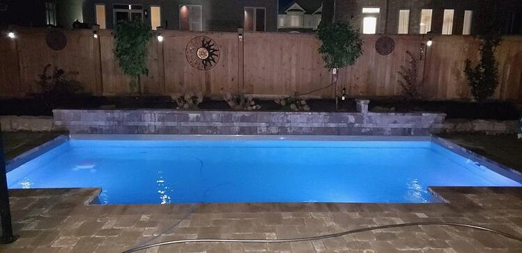 Newmarket: Leisure Elegance 26′ Silver Grey Fiberglass Pool