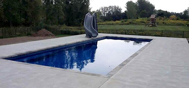 What are the Biggest and Smallest Sizes for Fiberglass Pools in Toronto?