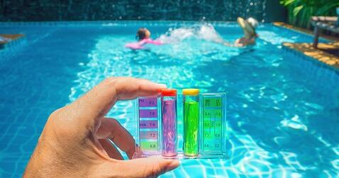Understanding How Chlorine Affects Swimming Pool Water