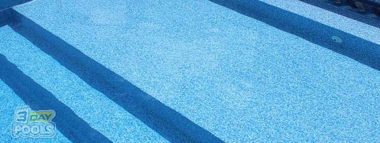 How Long Will a Swimming Pool's Vinyl Liner Last?