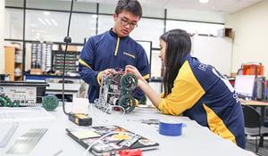 Concordia students learn robotics