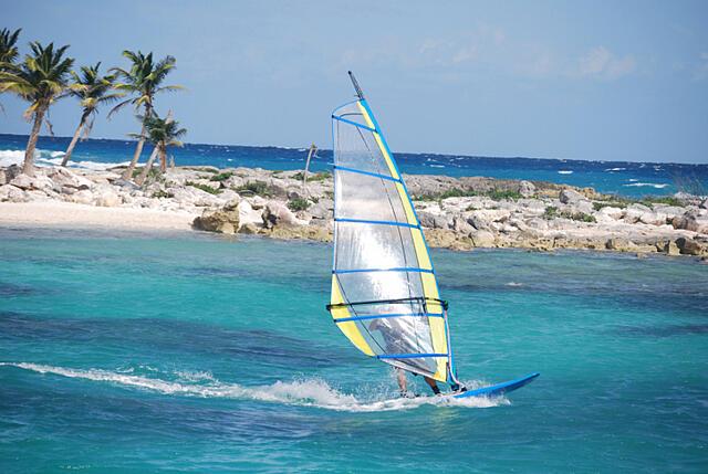 Carribean-Windsurfing-89909597TS