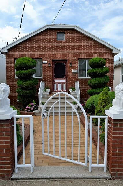 Landscaping Ideas for a Small Front Lawn
