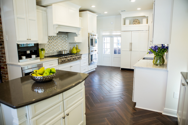 Kitchen Remodeling Contractors in Baton Rouge: Quartz vs. Granite Countertops