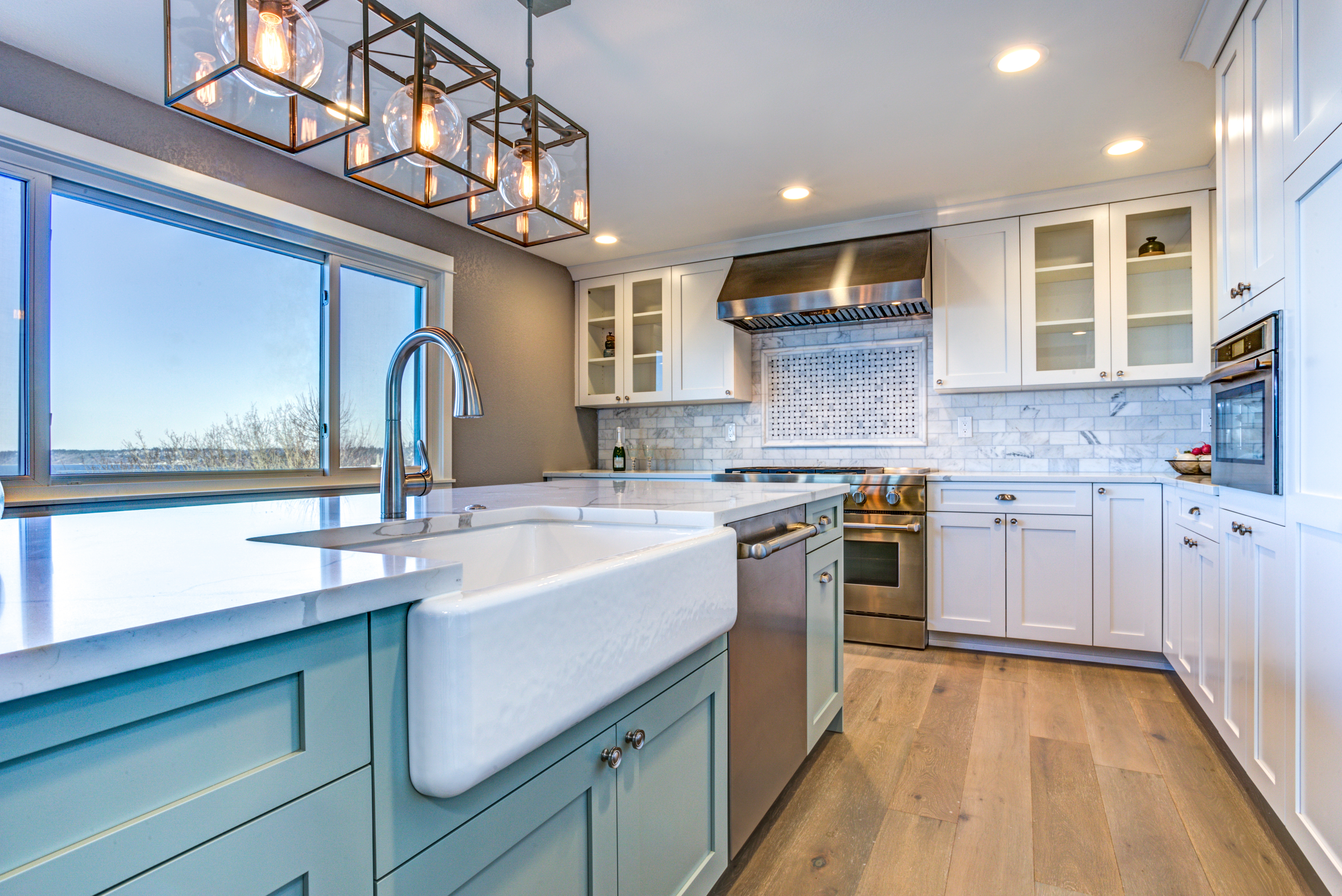 Renovation Contractors in Baton Rouge: The Best Floors for Your New Kitchen