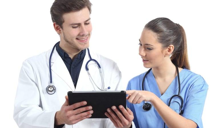 nurses-using-tablet-1080x627