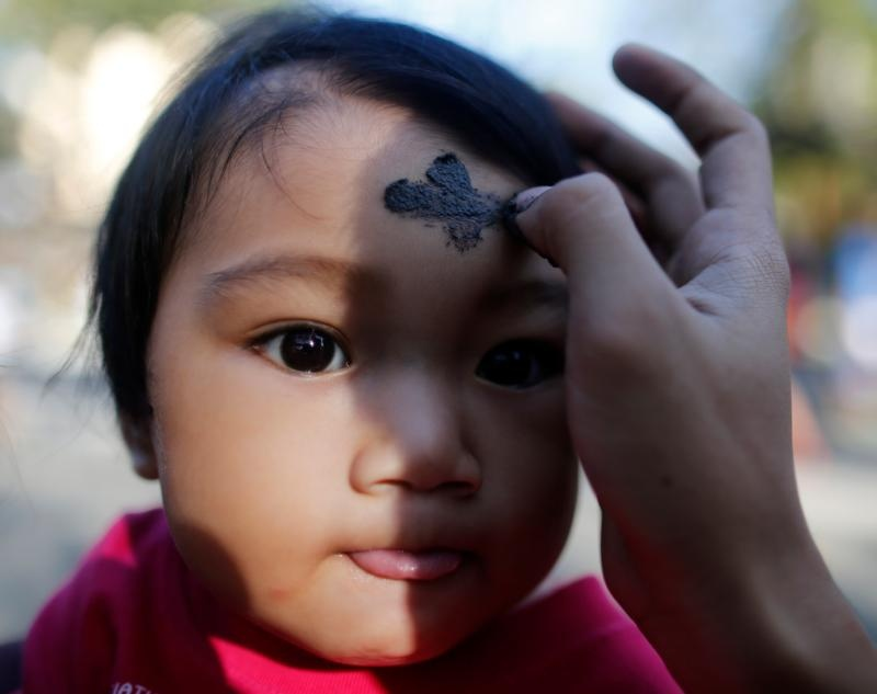 Ash Wednesday  (CNS photo/Francis R. Malasig, EPA)