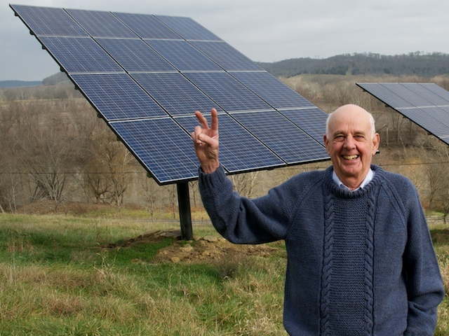 Author Wendell Berry believes we should seek beauty and truth in our daily lives. Image: Wikimedia Commons
