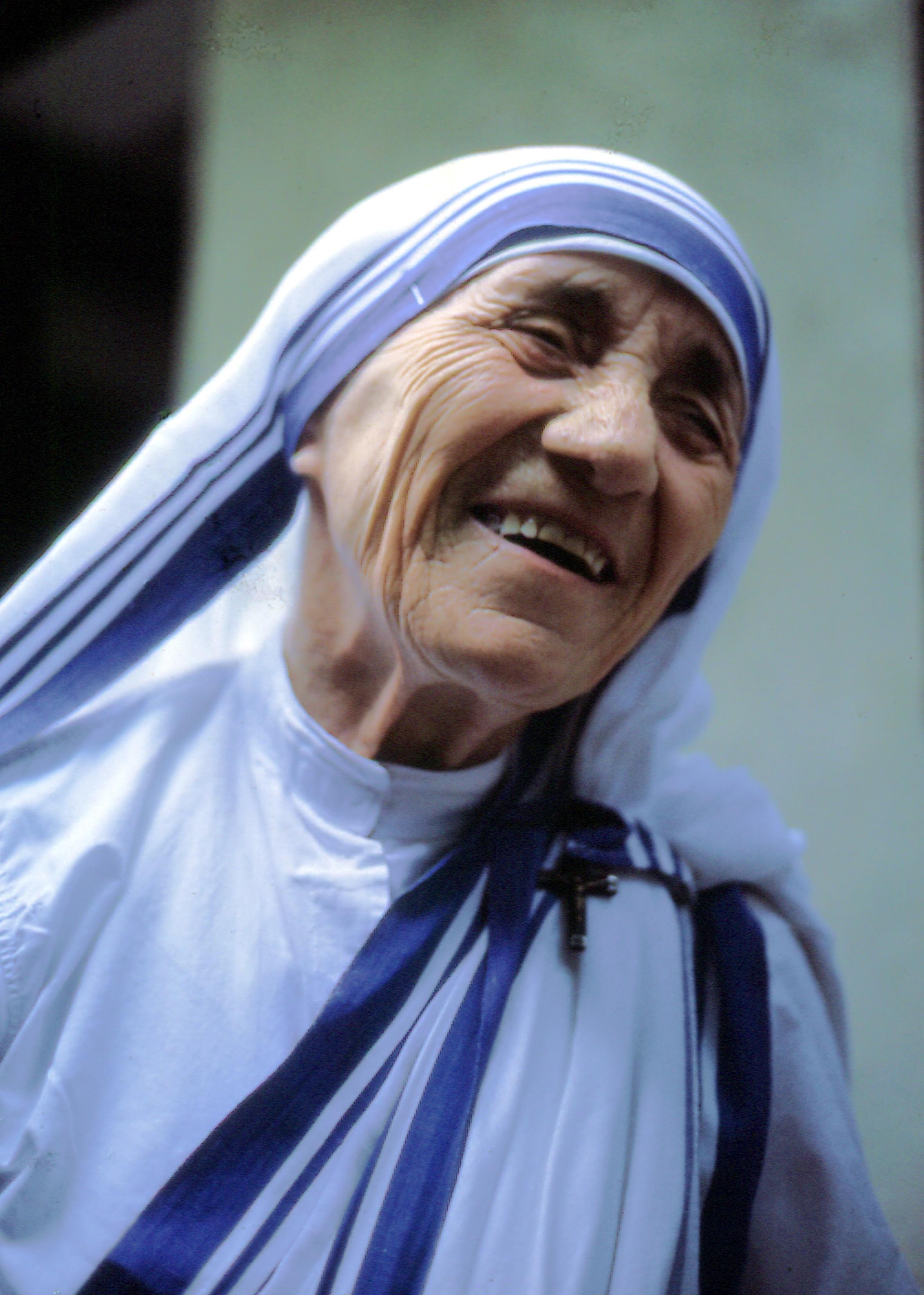 Mother_Teresa_WikimediaCommons_Manfredo_Ferrari.jpg