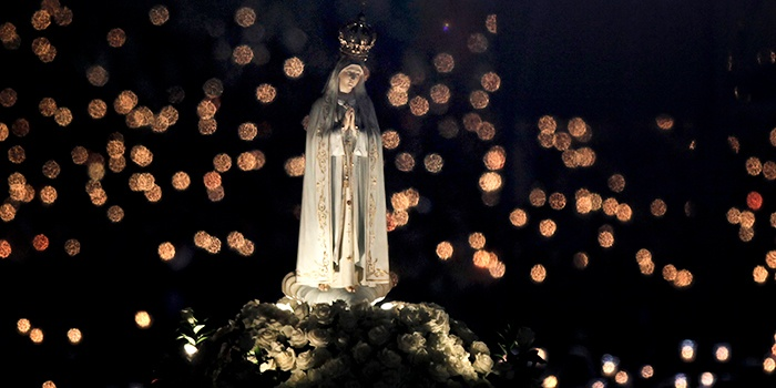 An image of the Blessed Mother at Fatima