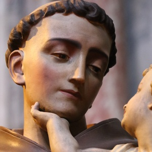 Submit a St. Anthony story to St. Anthony Messenger!