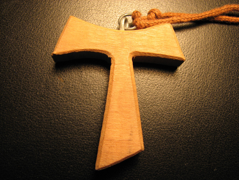 Franciscan Tau: Wikimedia Commons