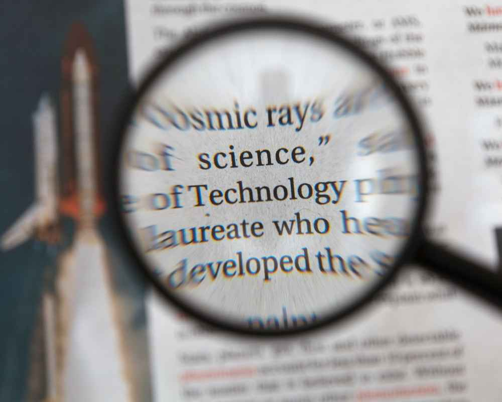0025 - Magnifying glass - imagetxt-1