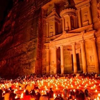 the-treasury-at-night-petra-jordan-sq