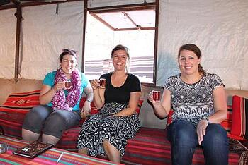 Jordan-wadi-rum-group-tea