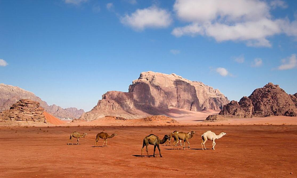 Wadi-Rum-Jordan-Traveler-Corner-997x598 (1)