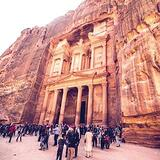 petra-tourists-sq