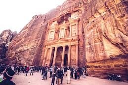 petra-tourists