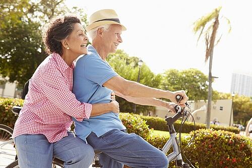 blog_hispanic_couple_on_bike