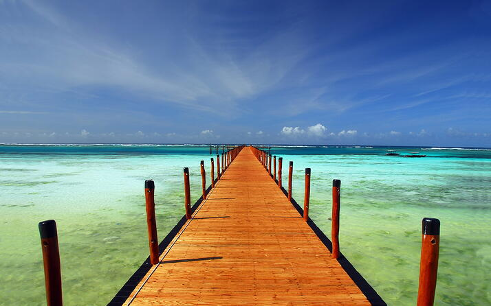 Pier-to-the-horizon