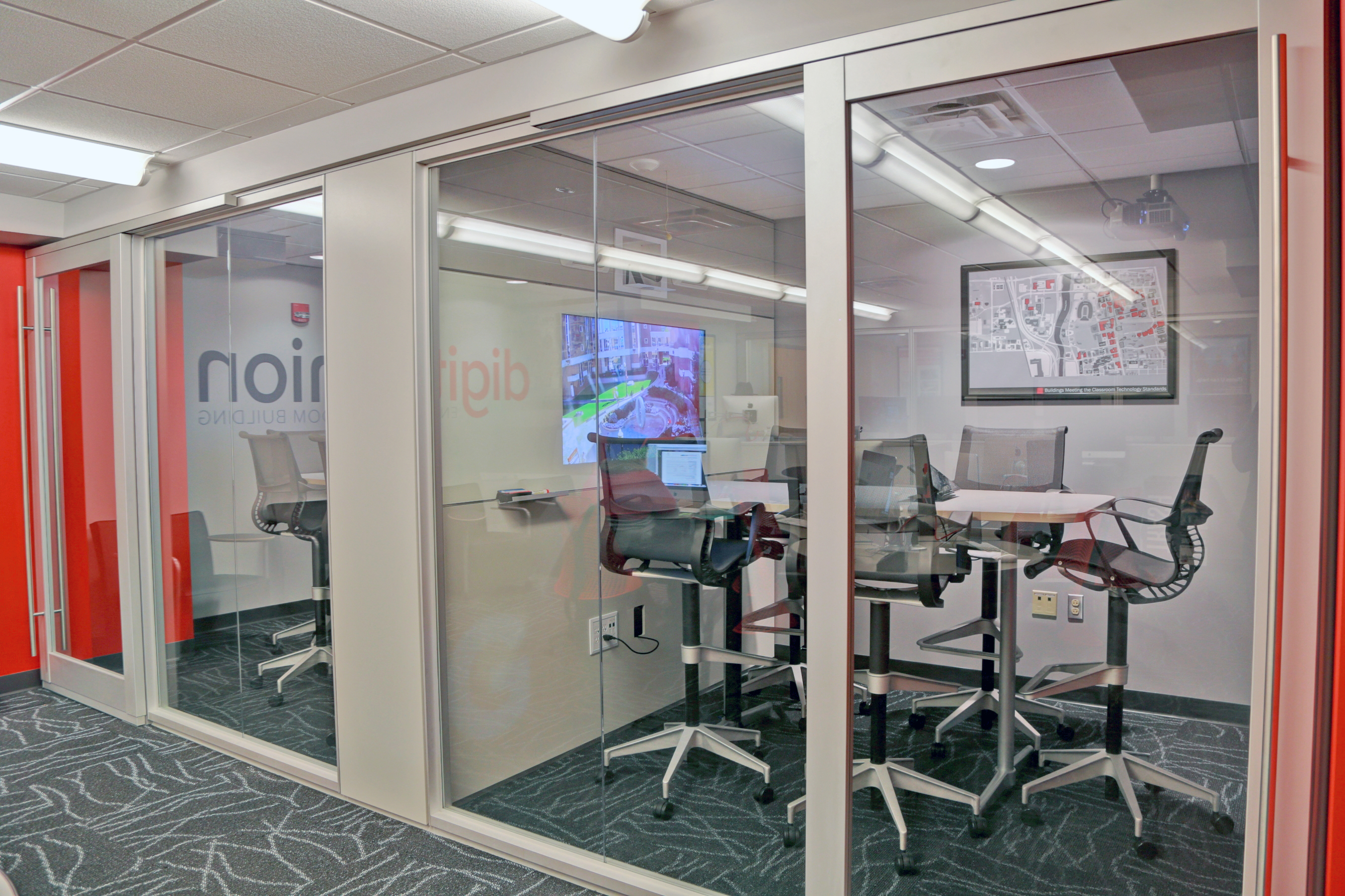 Click here to read the DIRTT case study!