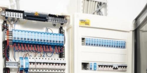 Installation électrique : combien de temps allez-vous gagner avec un coffret câblé ?