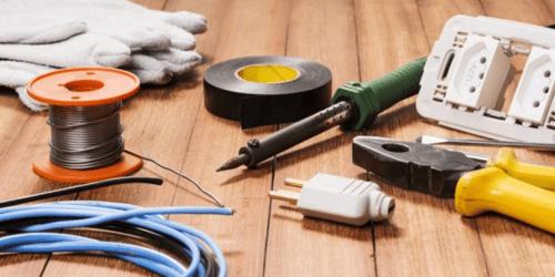 Rénovation installation électrique : combien de temps pour la rénover vous-même ?
