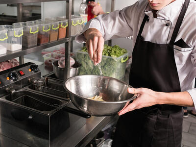 9 Tips on How to Succeed as a Line Cook