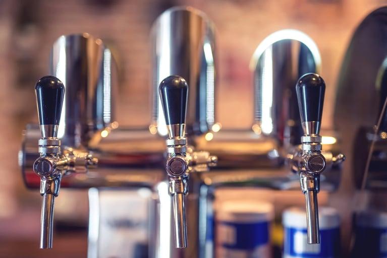 bigstock-Beer-Tap-At-Restaurant-Bar-Or-115331057-1348x900