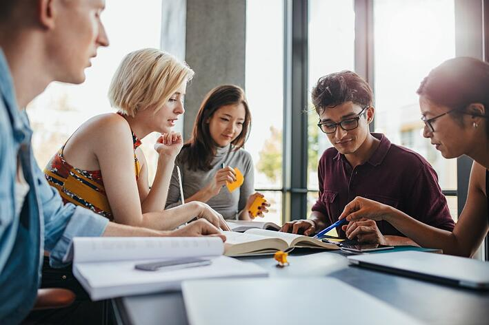 Top 5 benefits of studying at an International Business School