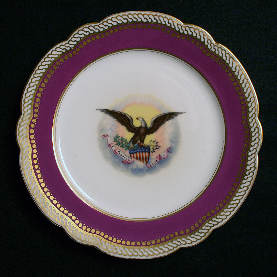 LINCOLN WHITE HOUSE CHINA PLATE