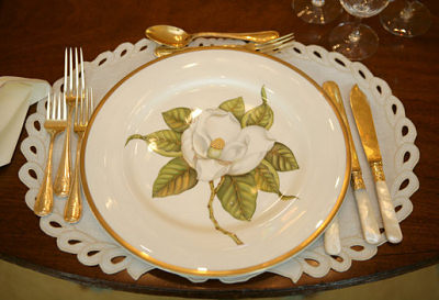George W. Bush, Magnolia White House China, Raleigh DeGeer Amyx