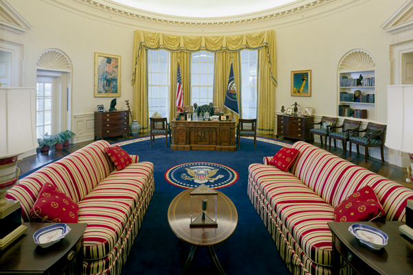 CLINTON OVAL OFFICE|CLINTON OVAL OFFICE SOFA|OVAL OFFICE FABRIC|WHITE HOUSE FABRIC|PRESIDENTIAL MEMORABILIA|WHITE HOUSE MEMORABILIA|THE RALEIGH DEGEER AMYX COLLECTION|THE AMERICAN HERITAGE COLLECTION|