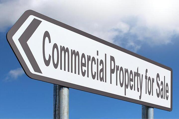 What is the average cost of conveyancing when buying property in the UK