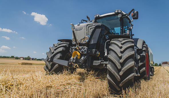 Comment réduire l'impact des vibrations du tracteur sur mon organisme?