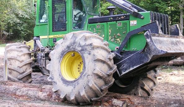 pneus forestiers plus de résistance et de motricité