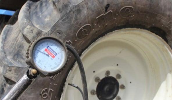 réglage pression du pneu de tracteur