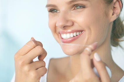 How to Keep Your Teeth Healthy While at Home