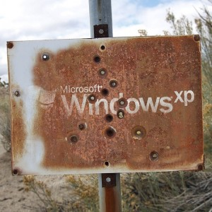 Windows-XP_FB_Bullet-Hole-Sign_April-2014-lg_cz