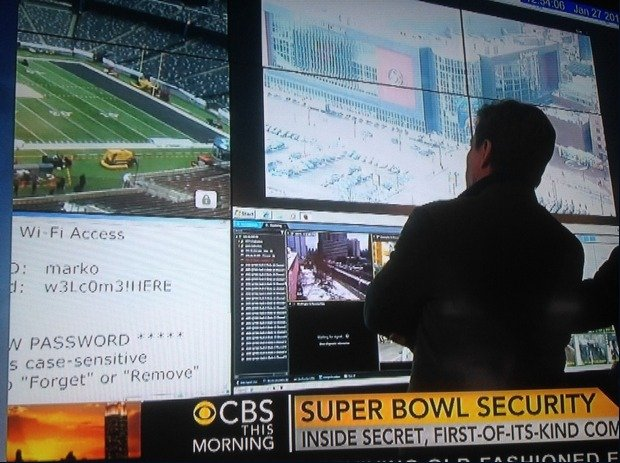 super-bowl-security-fail-620x463