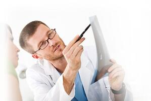 Atlanta chiropractor talking to a patient