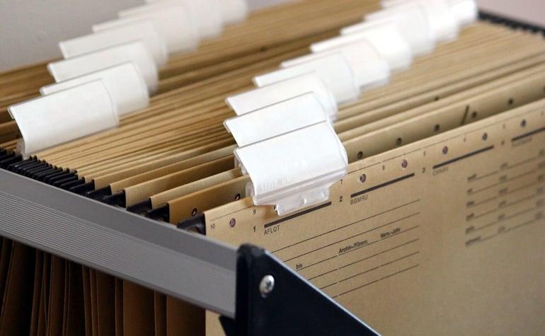 hanging-files-1920437-1920-1400x864
