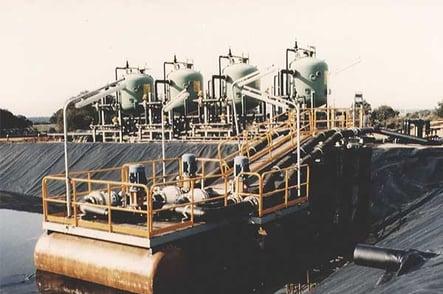 Sistema de tuberías para trasiego y proceso de mineral de uranio en suspensión