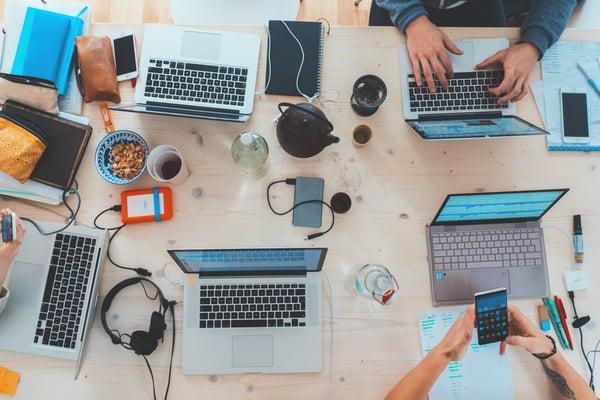 Outsourcing vs forvalte applikasjoner selv - de viktigste forskjellene