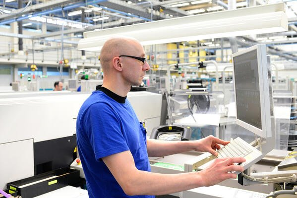 3 manufacturing tech trends to act on NOW (and 3 to prepare for)