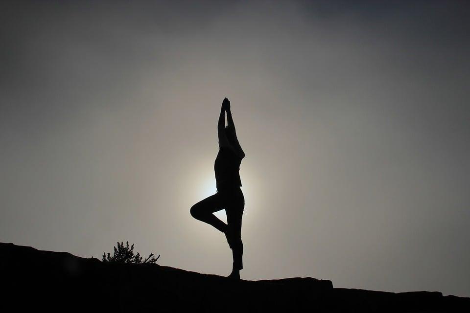 3 ejercicios para mantener el equilibrio entre mente y cuerpo - Featured Image